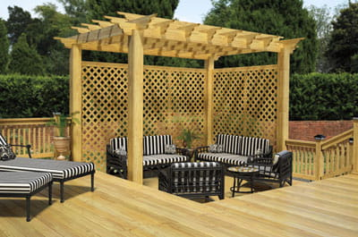 Pergola and lattice for an outdoor shade and wind solution